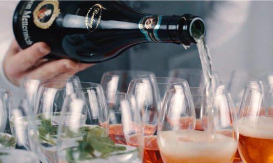 Unser Catering Service bietet neben kulinarischen Angeboten auch Getränke-Catering an.