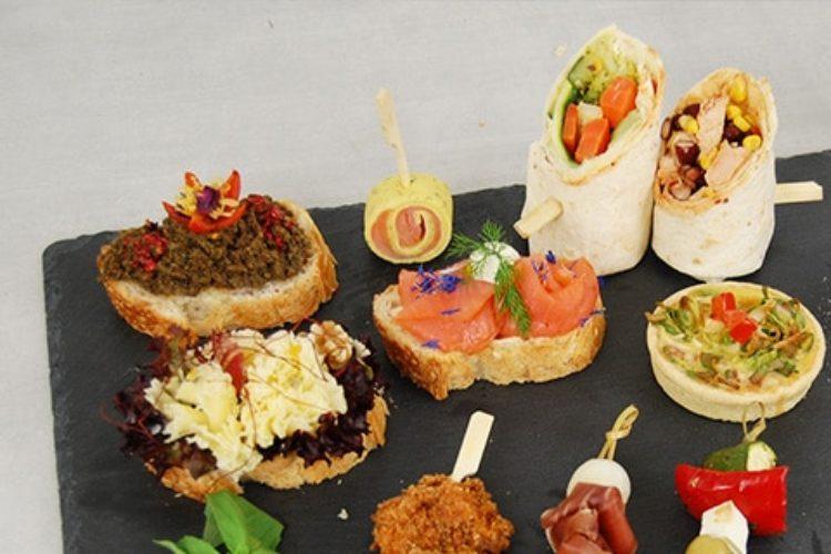 Unser Service hilft Ihnen dabei, Ihre Veranstaltung zu einem kulinarischen Erfolg werden zu lassen. Entdecken Sie unser Angebot an Fingerfood.