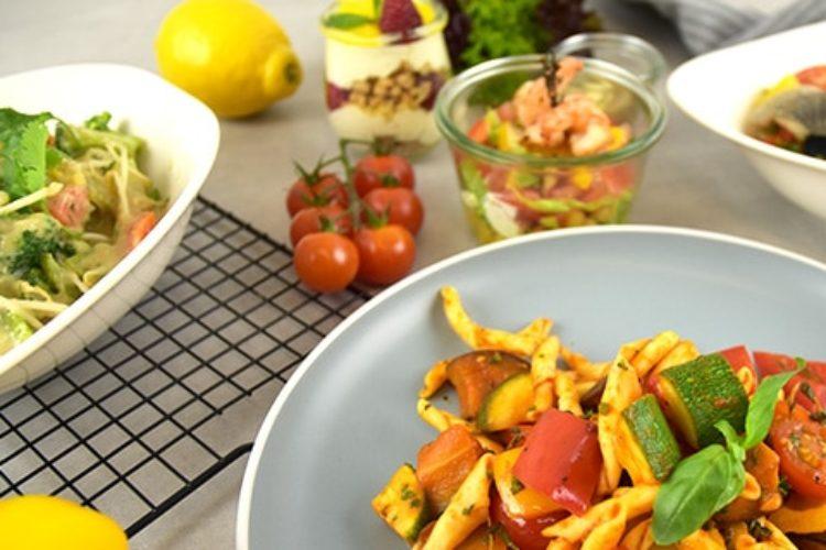Unser Service hilft Ihnen dabei, Ihre Veranstaltung auch mit warmen Essen zu einem kulinarischen Erfolg werden zu lassen.