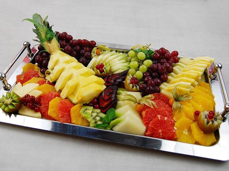 In unserem Ratgeber erhalten Sie fünf Tipps zur Gestaltung, der perfekten Obstplatte.
